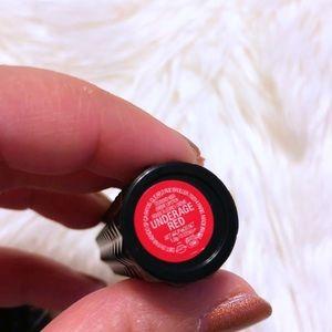 Kat Von D Makeup - Kat Von D Studded Kiss Lipstick - Underage Red 💋